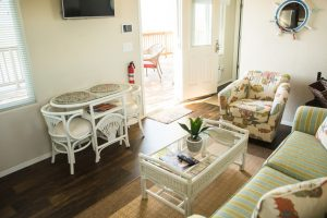 3 living room with bistro table