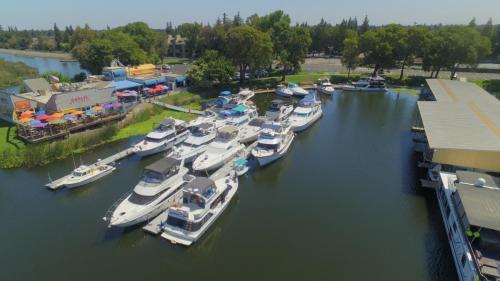 Sacramento Yacht Club Cruise In
